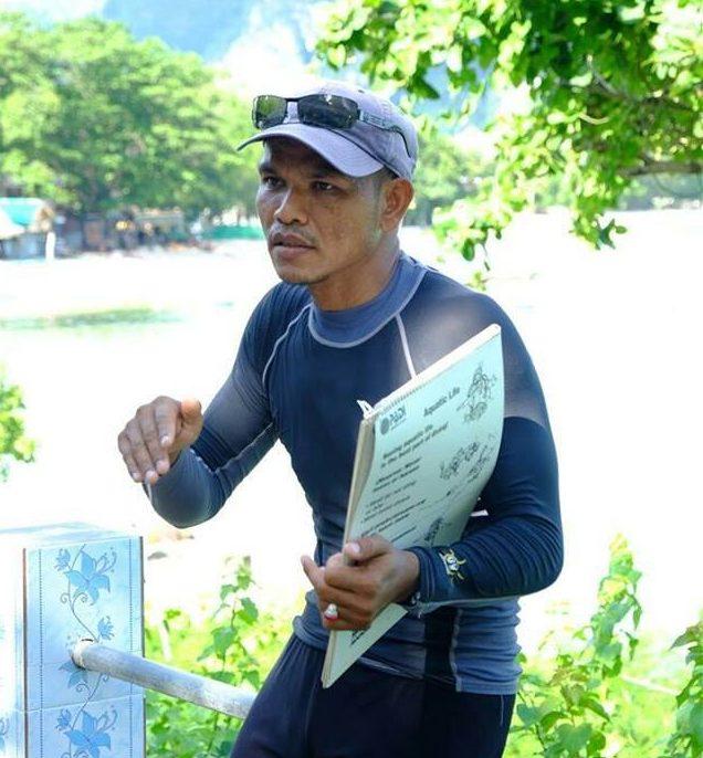 divemaster dive team phi phi island thailand