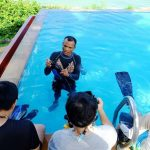 women day diving pool training