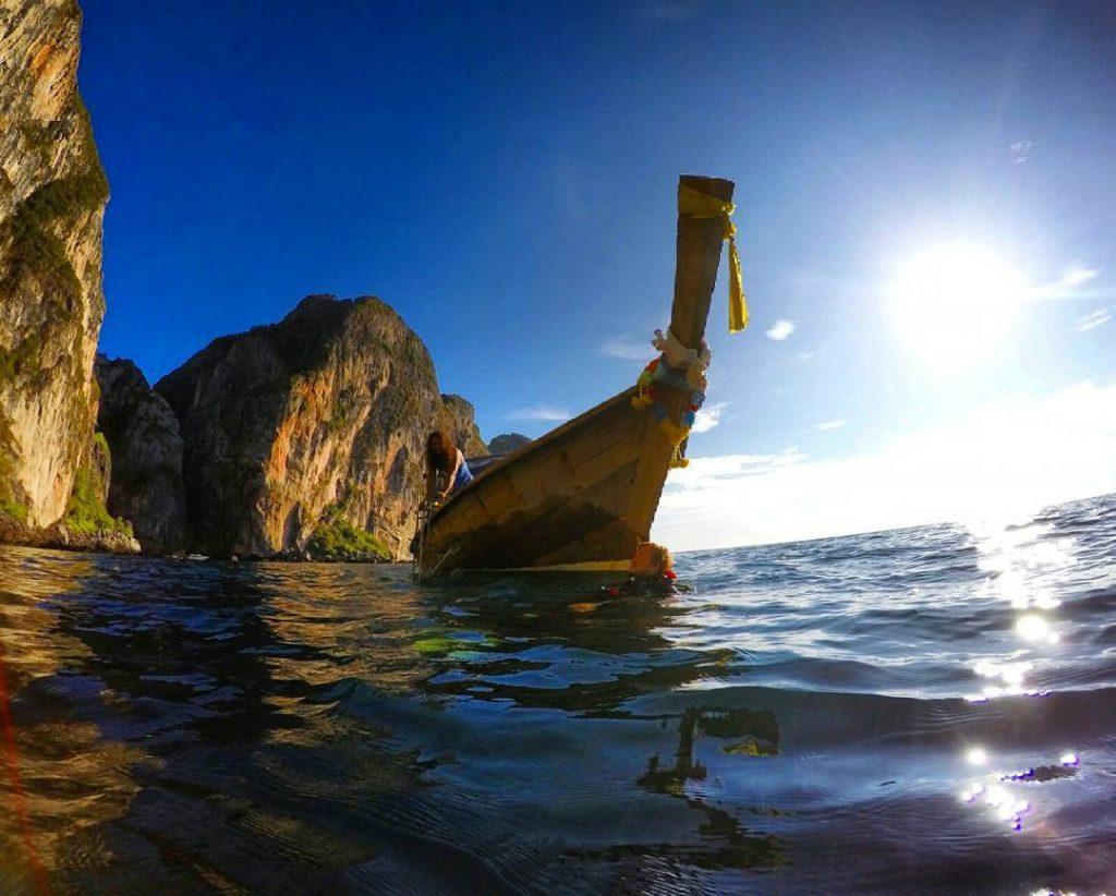 longtail boat diving phi phi island