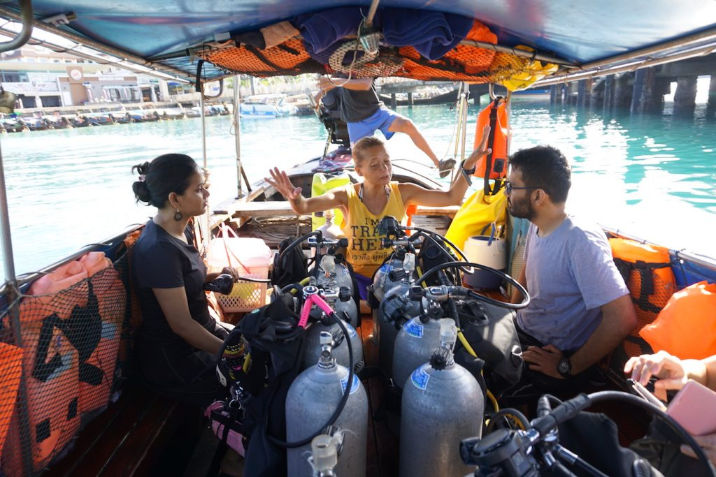 conservation diving dive breifing phi phi island diving thailand