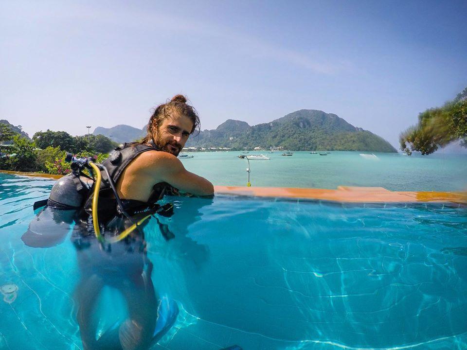 scuba review phi phi island