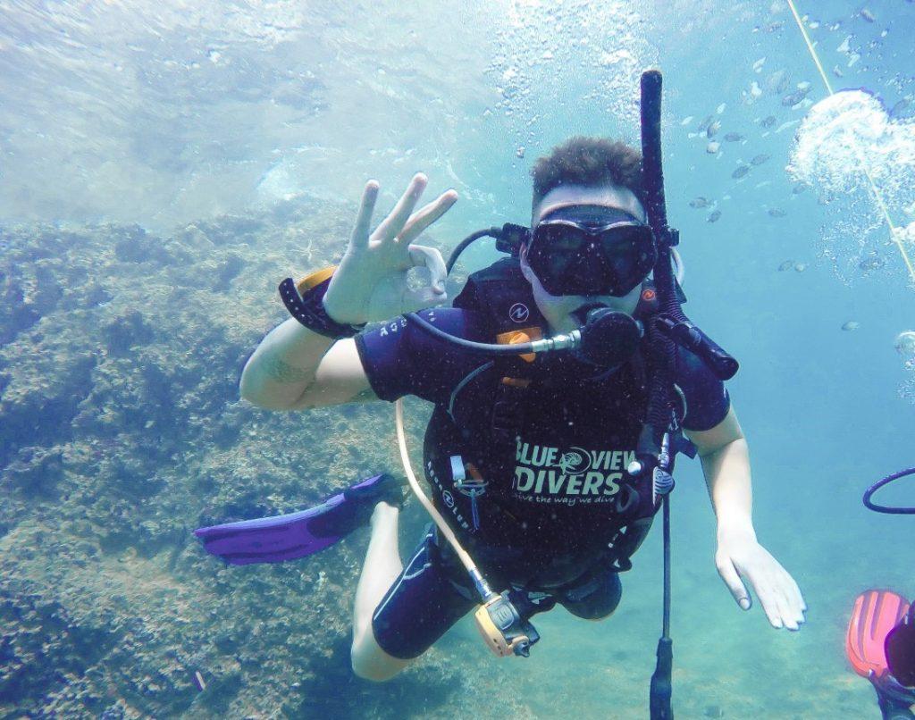 PADI scuba diver phi phi