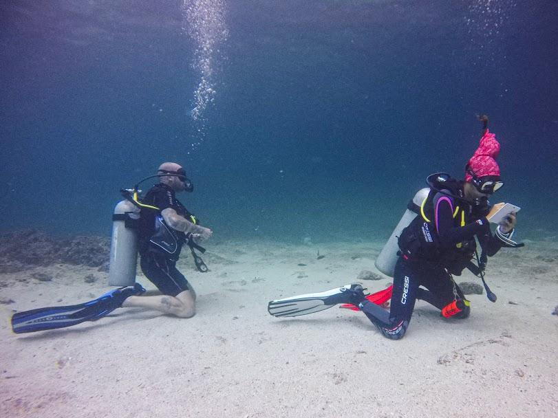 underwater divemaster phi phi
